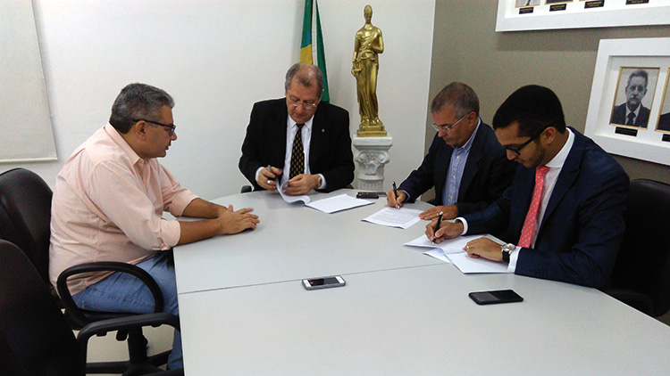 APE e PGE firmam parceria para promoção de cursos