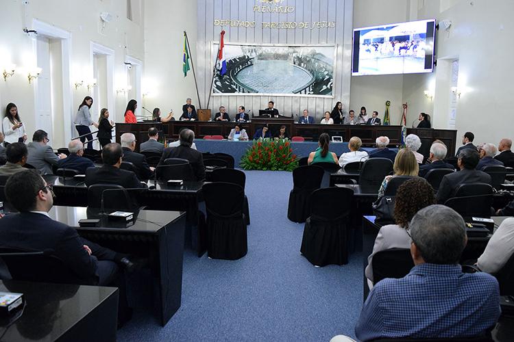 Procuradores são homenageados pela ALE em sessão solene