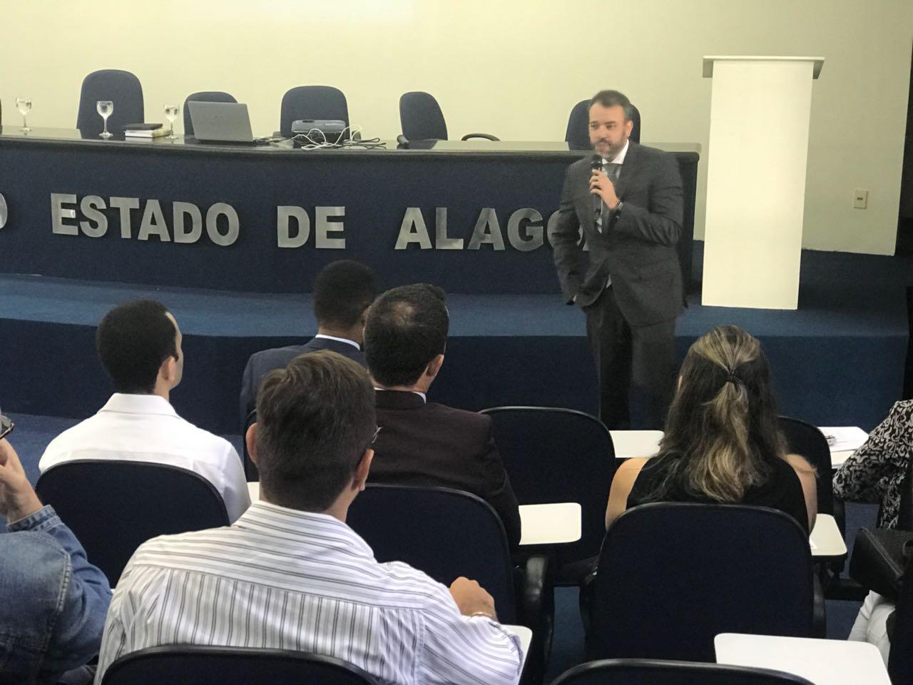 Curso debate alterações constitucionais no Regime Especial dos Precatórios