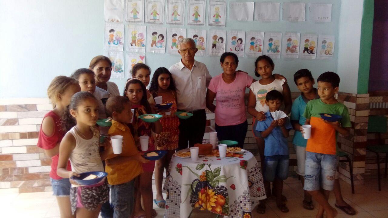 Associado da APE/AL realiza trabalho com crianças carentes e precisa de ajuda