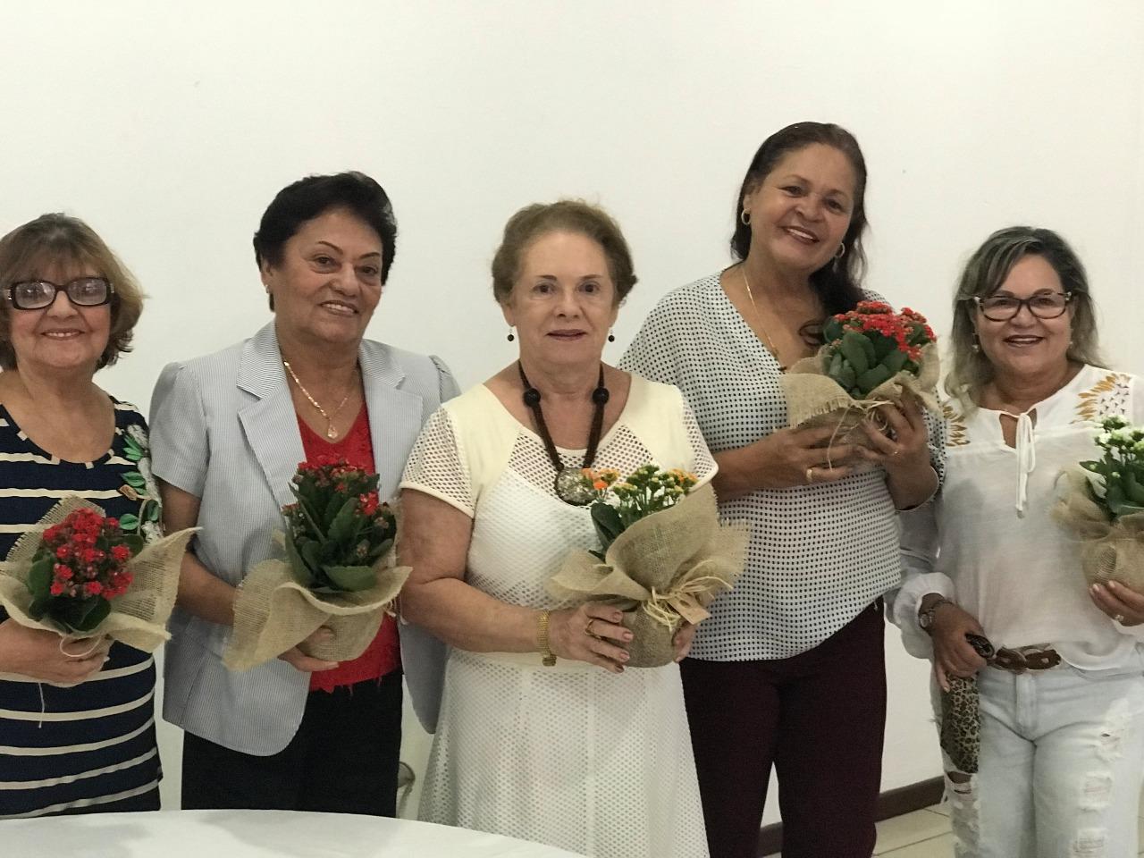 GALERIA DE FOTOS: APE-AL realiza café da manhã em homenagem às mães